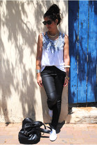 black leather H&M bag - black Ray Ban sunglasses - white leopard Topshop vest