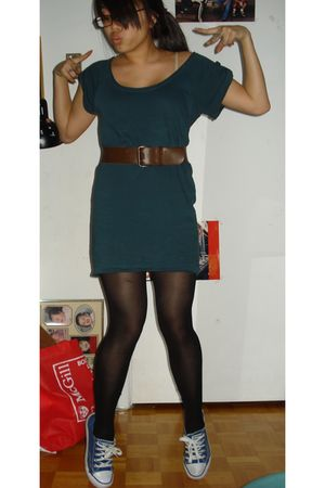 green Zara top - black winners stockings - brown vintage belt - blue payless sho