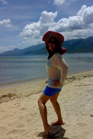 made of nipa hat - nylon shorts shorts - havaianas Havaianas sandals