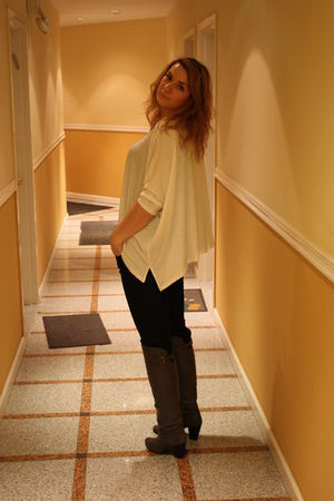 white Express shirt - gray bronx shoes - blue Zara jeans