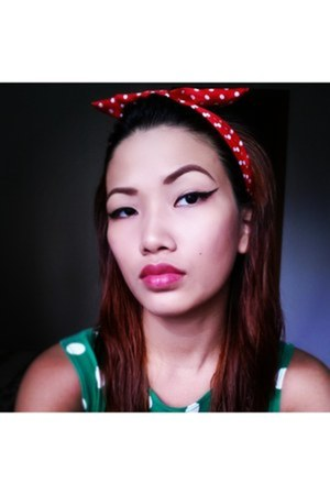 red polkadots hair accessory - green polkadots Topshop top