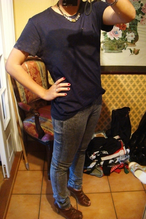 hope t-shirt - KappAhl jeans - H&M shoes