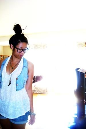 Zara top - GINA TRICOT vest -  shorts - Bik Bok bracelet - random from NY neckla