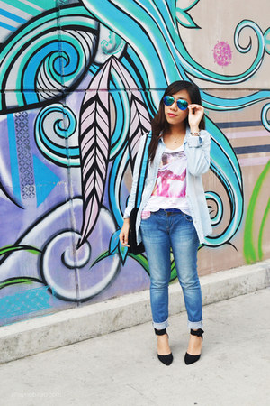 blue denim Forever 21 pants - black Primadonna heels - white Stradivarius top
