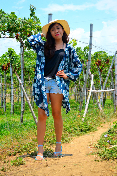 blue kimono Revolution Nine cardigan - black top