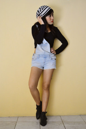 black crop Forever 21 top - light blue overalls Terranova jumper