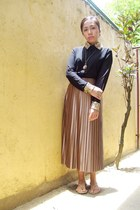 light brown pleated Tomato skirt - black sequined collar Fayenesss blouse