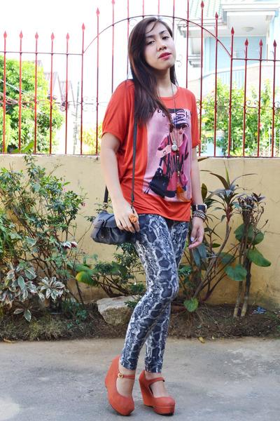orange platforms Sophie Paris heels - charcoal gray snakeskin Redhead leggings