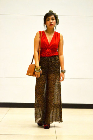 brown genevieve gozum pants - tawny satchel queen street bag - red TLTSN pumps