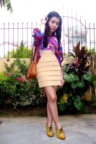 cream bodycon panel alixandre skirt - mustard ankle booties Forever 21 boots