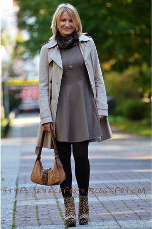 tan Zuzi dress - neutral Promod coat - brown Extreme scarf - bronze marconi bag