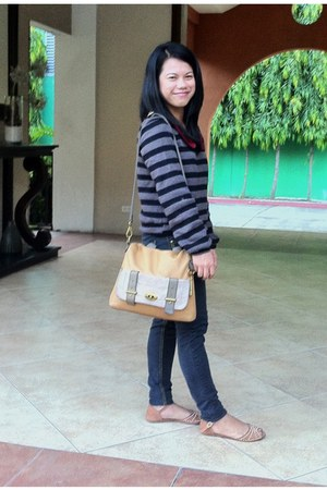 Fossil bag - Love Free blouse - Fubu pants - sandals