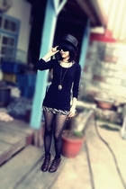brown boots - gold accessories - black tights - black hat - black sunglasses