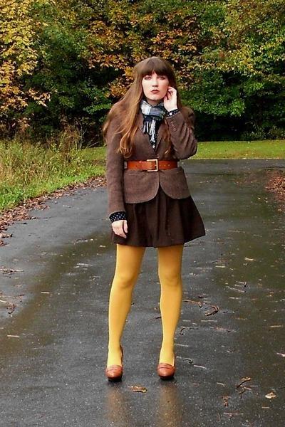 herringbone vintage blazer - HUE tights - plaid thrifted scarf