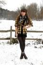 Navy-plaid-thrifted-scarf-dark-brown-cheerio-seychelles-boots