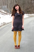 brown blimey oxfords seychelles shoes - navy modcloth dress - mustard HUE tights