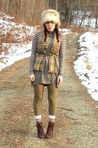 dark brown cheerio seychelles boots - heather gray H&M dress - heather gray faux