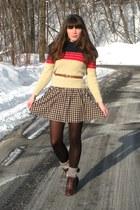 dark brown cheerio seychelles boots - tan checkered H&M dress - tan vintage swea