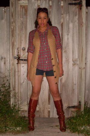 boots - blue shorts - Forever 21 shirt - beige Arden B vest - pink vintage acces