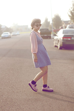 houndstooth dress - pink creeps Skechers shoes