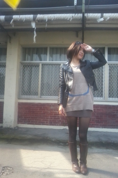 black jacket - brown top - black tights - brown boots