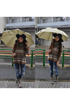 tan Zara boots - navy Zara jeans - navy Zara hat - brown Zara sweater