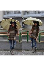 tan Zara boots - navy Zara jeans - navy Zara hat - brown Zara sweater