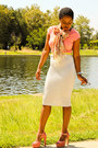 Silver-you-like-it-i-made-it-skirt-salmon-v-neck-tee-g-stage-shirt