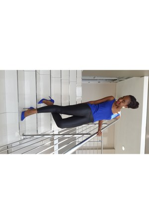 cobalt blue vest - pleather leggings - cobalt blue heels