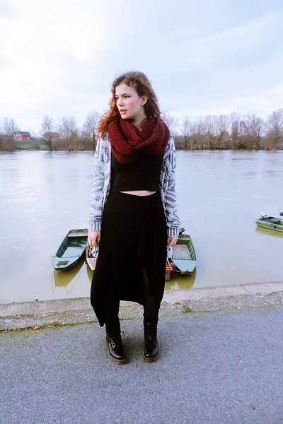black Dr Martens boots - crimson New Yorker scarf - black Bershka skirt