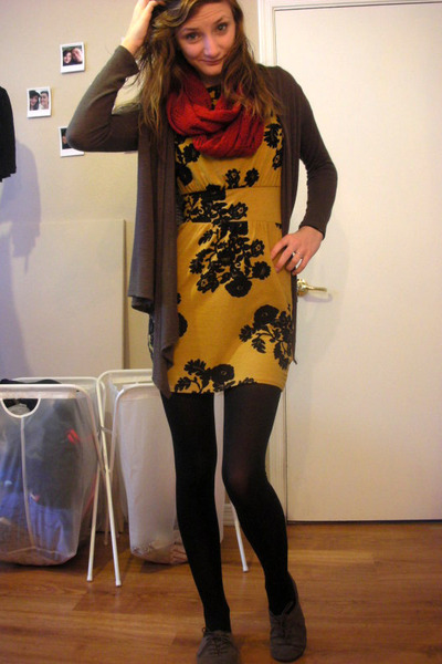mustard Silence & Noise dress - red Forever 21 scarf - army green Forever 21 car