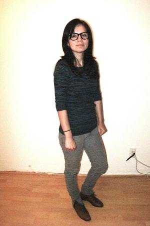 H&M sweater - H&M jeans - vintage boots - Ray Ban glasses