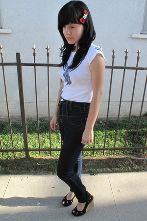 SilenceNoise jeans - Steve Madden shoes - TOKYOPOP t-shirt