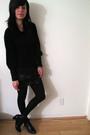 Black-skirt-black-boots