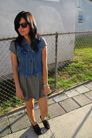 Levis vest - vintage dress - Ray Ban glasses - TOMS shoes