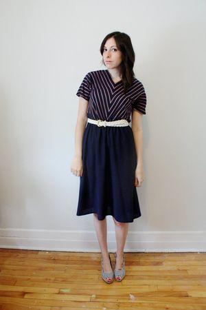 blue young captive vintage dress - white vintage belt - white H&M shoes