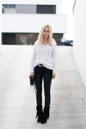 black the Sting boots - white Zara sweater - black Alexander Wang bag