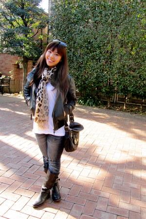 tawny Forever21 scarf - black Zara boots - blue Uniqlo jeans - black Zara jacket