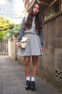 White-murral-skirt-ivory-leather-clutch-dholic-bag-white-gvgv-socks