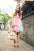 light blue cats bag achachumu bag - camel litas Jeffrey Campbell boots