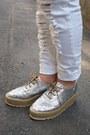 White-machatt-pants-bubble-gum-nadesico-sweater-silver-dholic-bag