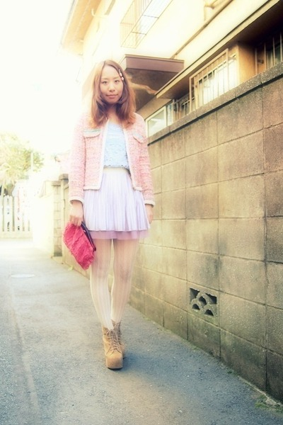 light purple pleated skirt Labyrinth skirt - tan Jeffrey Campbell boots