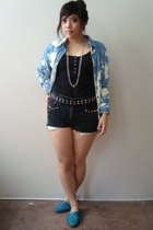 diy bleached denim shirt - H&M top - diy Levis shorts - studded belt - Urban Out