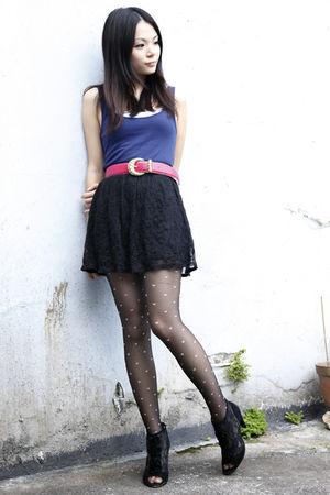 blue Topshop vest - pink vintage belt - black asos skirt - black staccato shoes