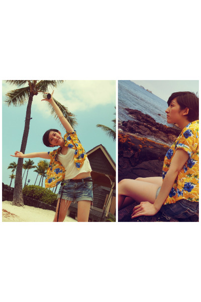 white t-shirt - gold aloha printed handmade shirt - sky blue Secondhand shorts