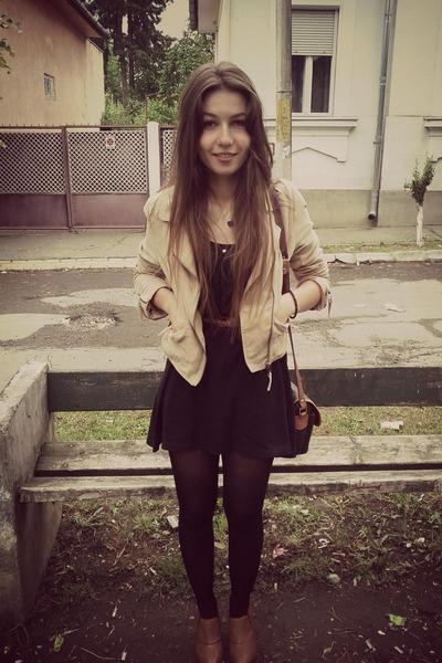 brown heels - black dress - brown belt