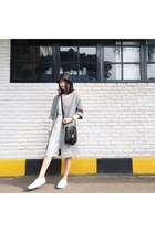 white Uniqlo sweater - heather gray autizmfashion coat - black autizmfashion hat