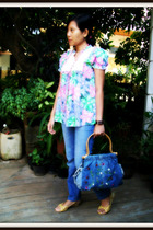 Floral Patterned blouse - Mango jeans - Moms hand me down necklace - Vincci shoe