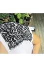Black-zara-pants-white-hi-lo-lace-forever-21-top