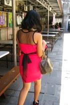hot pink dress - black janeo heels